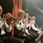 Trumpetsektionen koncentrerar sig
