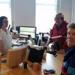 Torbjörn och Ewa intervjuas av Jessica Gredin då Titti Sjöblom kopplas in i direktsändning på Östgötaradion